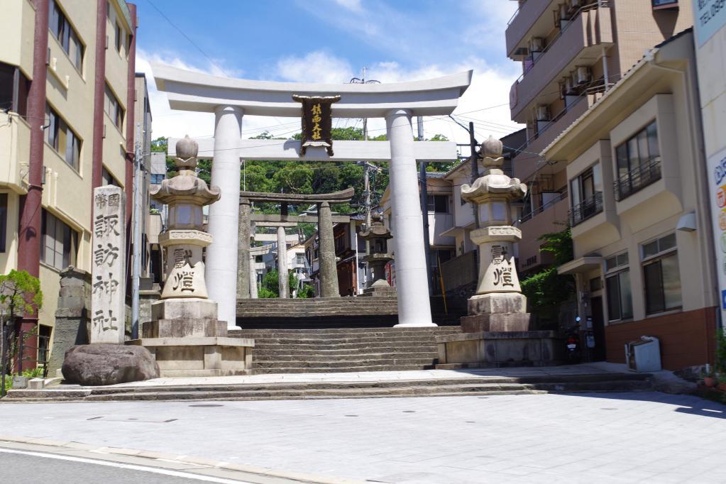 諏訪神社の階段入り口