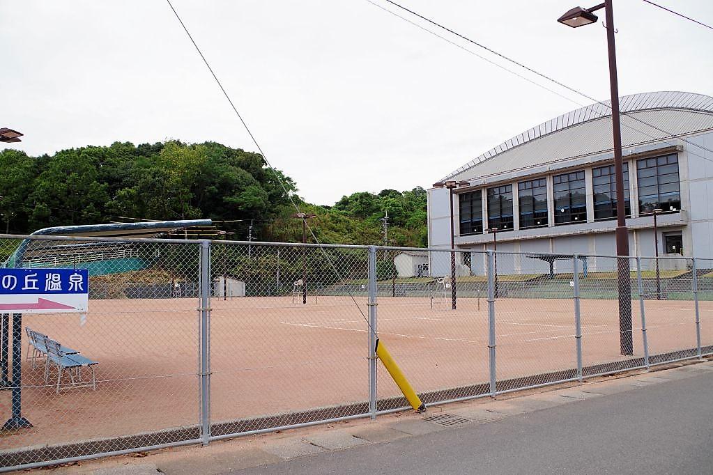 有料施設テニスコート
